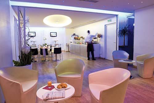 interval international resort directory aparthotel. Black Bedroom Furniture Sets. Home Design Ideas